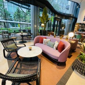 【カフェ】おしゃれな空間で長時間作業可!「Etoile Bistro at EQ」