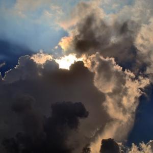 【ケアンズのお天気ニュース】現時点ではまだまだキリッとした朝は迎えられなさそう