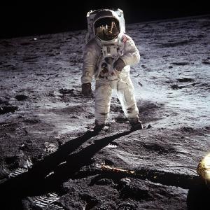 月面歩行を楽しもう!LUNARLON(ルナロン)テクノロジーとは