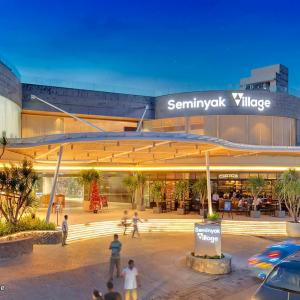 バリ島ショッピングモール:スミニャックビレッジ Seminyak Village