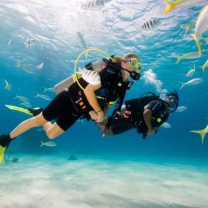 バリ島スミニャックアクティビティ『アドベンチャー・スキューバダイビング』