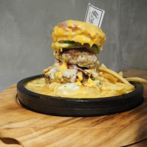 upit`s Burger~嵐山のたっぷりチーズバーガーが食べれるお店~