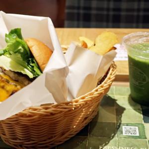 今日は川崎でランチを。。。。。