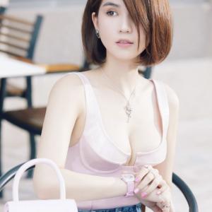 【通称:下着の女王】人生の階段を駆けあがるトップモデルNgoc Trinh(ゴック・チン)
