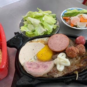 ベトナムはフォーだけじゃない!ベトナム人ローカルが大好きな朝ステーキで元気満タンに!
