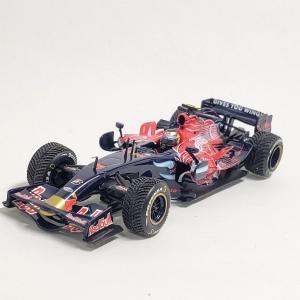 #ウェットタイヤが再現されたミニカー トロロッソSTR2 セバスチャン・ベッテル#