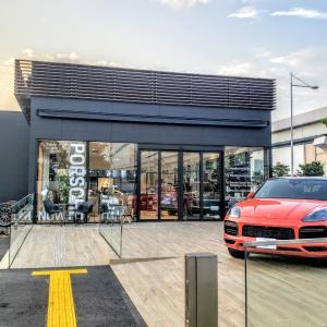 #ポルシェ初の完全EV自動車 タイカンを見てみる ポルシェNOW Tokyo#