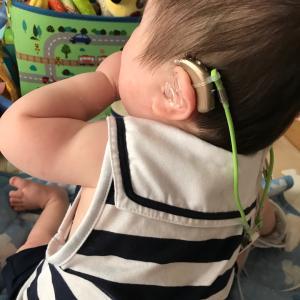 中等度難聴児の補聴器