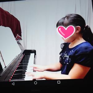 『ピアノあるの?やった』