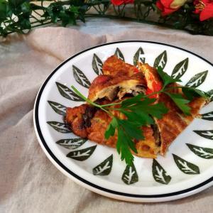 「夏野菜の蒸し煮」でオープンオムレツ