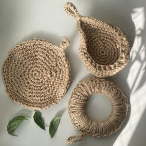 ソコヌケニアカルイ 麻紐とかぎ編みと作品