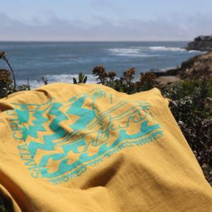 ソコヌケニアカルイ、サンタクルーズでTシャツ販売!