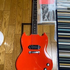 新しいギター お稲荷さんの鳥居の色とメイドインUSA