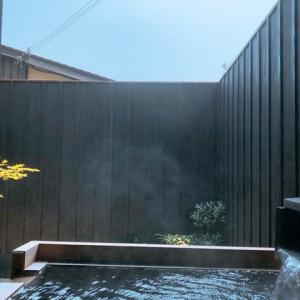 お風呂坪庭の目隠しフェンスの高さ 大きさ 素材などはどう決めた?課題の残る坪庭風呂
