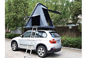 車の上でキャンプできる「シェルーフ」、たった3分で組み立て可能
