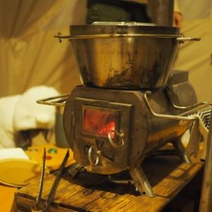 冬キャンプこそ「メシ」にこだわる! 激ウマ&映え確実の「あったか」レシピ3選