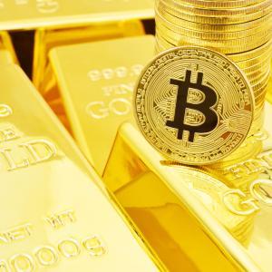 デフレ懸念で金と一緒に価格上昇?ビットコインと金の相関性