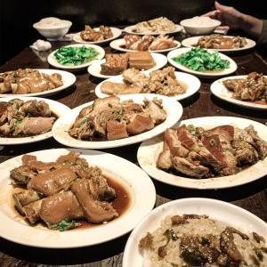 台北 富霸王猪脚 並んで食べる大好物のトンソク