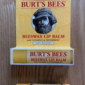 【BURT'S BEES(バーツビーツ)】グアムで見つけた爽快リップが大活躍間違いなし!!!