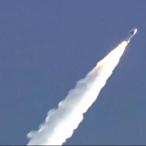 韓国・反応 UAEも火星に向かって飛んだ、探査船「アマル」打ち上げ成功