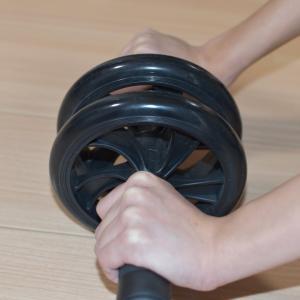 【初心者向け】【自宅トレ】アブローラーを使って腹筋トレーニング!【膝コロ】【sexyfitnessさん参考】
