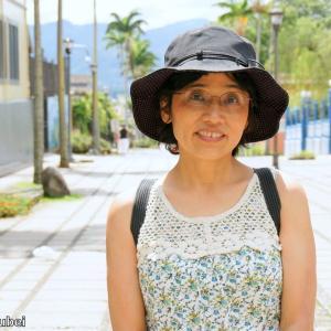 コスタリカ 背景は裁判所に続く遊歩道