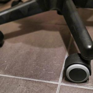 IKEAの椅子を静音化 (DIYでキャスター交換)