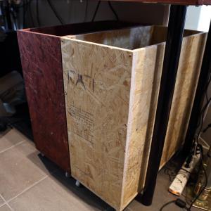 今度は塗装無し。1枚¥1,450のOSB合板で作るキャスター付き収納ボックス 第2弾 自転車パーツ用