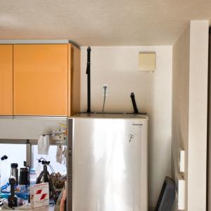 地震対策で、冷蔵庫をベルトで固定