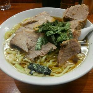 「満来とほりうち」デカい&たくさん西新宿のチャーシュー麺~