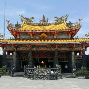 「五千頭の龍が昇る聖天宮」は埼玉県坂戸市にある豪華絢爛な台湾のお寺(?)