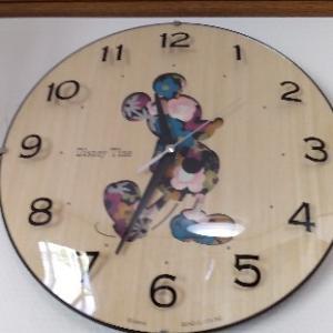 ミッキーの掛け時計