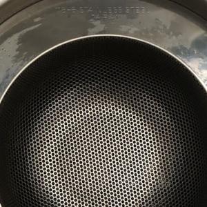 ストレスをなくす台所シンクの排水受け皿・パンチング太郎