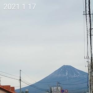 富士山雪化粧!