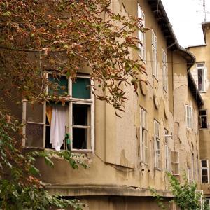 旅先で見つけた窓のある風景|クロアチア-ザグレブ