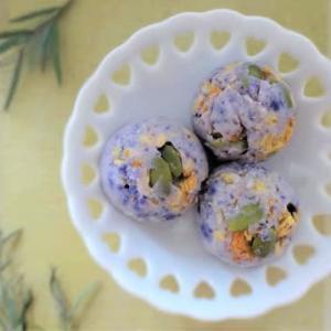 紫色のジャガイモでおやつ作り