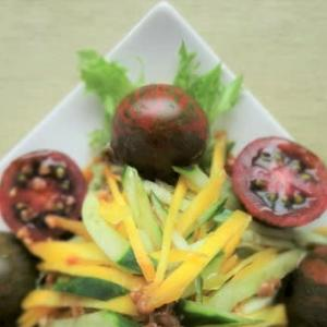 ブラックゼブラトマトのサラダ