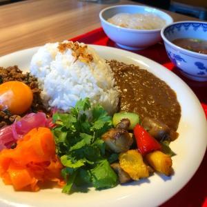 餃子レストランの変則カレーが面白い。「GYOZA ROCCOMAN 渋谷道玄坂店」(渋谷/神泉)