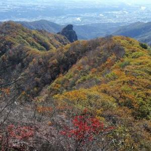 群馬県・子持山 [19/11/02] ~獅子岩からの大展望が魅力~