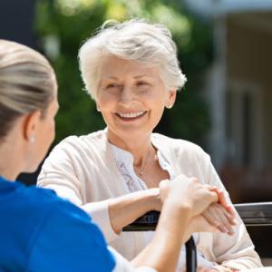 【おすすめ】高齢&一人暮らしの親へのお役立ちグッズ4点