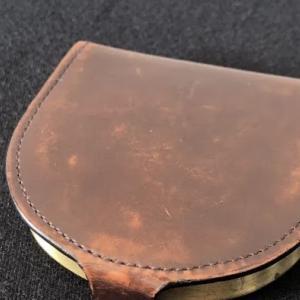 メルカリのポイントで買ったコムサデモードのコインケースを1600円で売る話