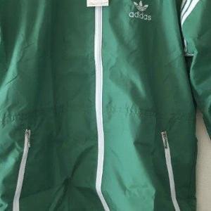 アディダスのナイロンジャケットを800円で買って3000円で売る話