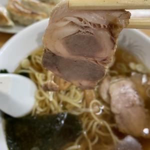 宮古島「中華料理 龍王」のオーソドックスな「チャーシュー麺」は懐かしのラーメン屋さんの味♩