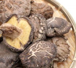 ベトナムの干し椎茸を使ったレシピ「干し椎茸の炊き込みご飯」