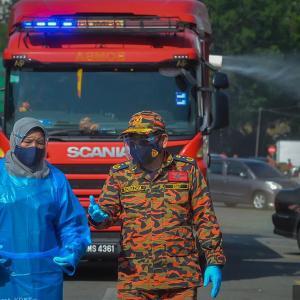 噴霧車による消毒作業、やっぱり意味ないです