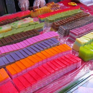 ハリラヤをお祝いしよう★マレーシアの伝統菓子・クエムエ(Kuih-muih)ービンカウビ(binkaubi)ー