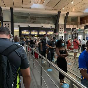 飛行機は混みあっている ~南アフリカ国内線~