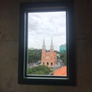 【Nguoi Tam Chuyen House】1日9組限定!サイゴン大教会が見えるカフェ