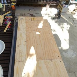 N-VAN荷台に仕切り用のボード製作