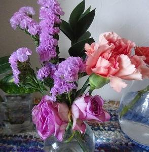 バイト忙しい中でポストインのお花がきました